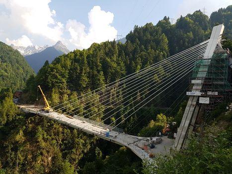 Val di Pai: quasi pronto il ponte sospeso nel vuoto