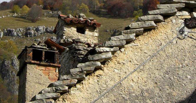 Tetti in pietra protagonisti a Valcava