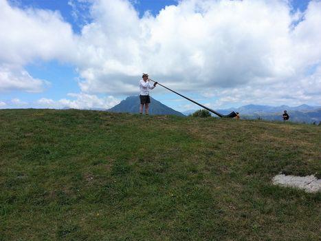 I suoni del corno delle Alpi di Martin Mayes lungo la Dorsale orobica-lecchese