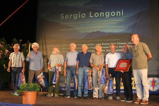 Il grazie dei grandi alpinisti lecchesi a Longoni