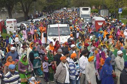 Bergamo, si mobilitano anche i Sikh  «Giustizia per i marò in India»