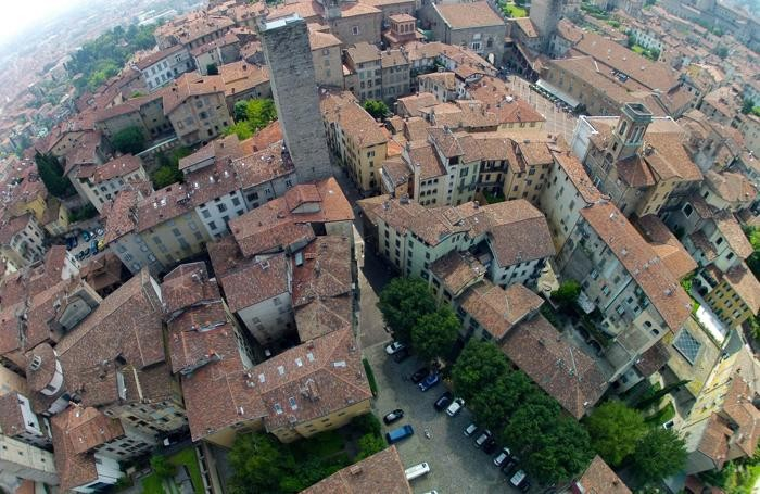 Spot sky in citt alta gi natale guarda la fotogallery for B b bergamo alta