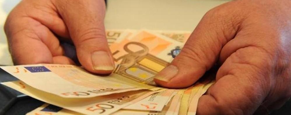 Pensionato trova borsetta con 700 euro restituita alla - Nascondere soldi in casa ...