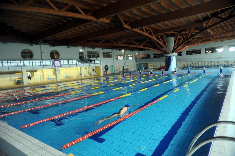 La piscina non chiude pi a stezzano il gestore ci ripensa - Orari piscina dalmine ...