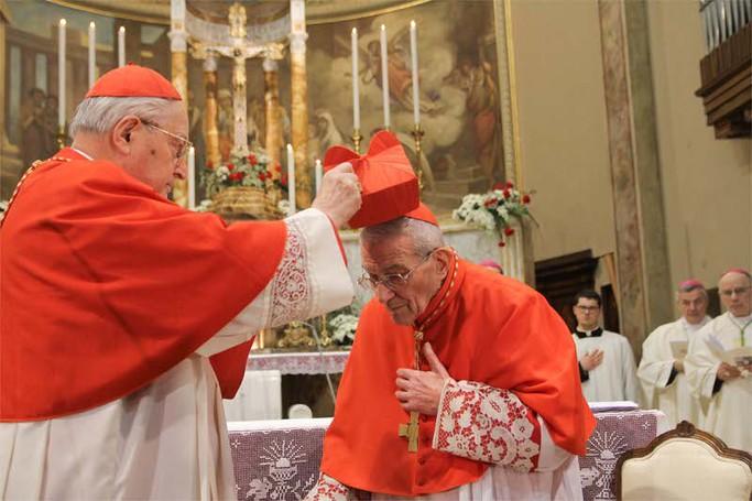 L'imposizione del berretto cardinalizio a Loris Capovilla