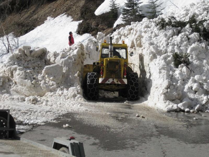 Slavina al colle della maddalena strada chiusa per i piani for Piani di costruzione di storage rv