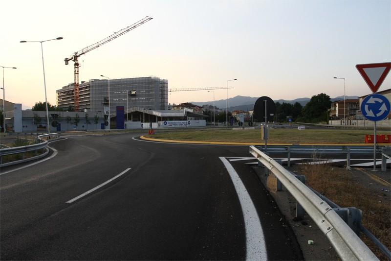 Via autostrada l albergo si fa ma i piani scendono da 6 a for Piani di costruzione di storage rv