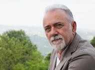 Giorgio Faletti è morto a 63 anni L'addio: «Cari amici, a volte l'età...» - Cronaca Asti - giorgio-faletti-e-morto-a-63-anni-laddio-cari-amici-a-volte-leta_3d765f92-0367-11e4-a17e-df0898b7ea85_display