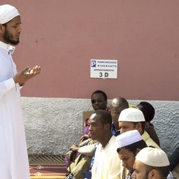 «È una legge anti-moschee»   Bruni e Scandella: anticostituzionale