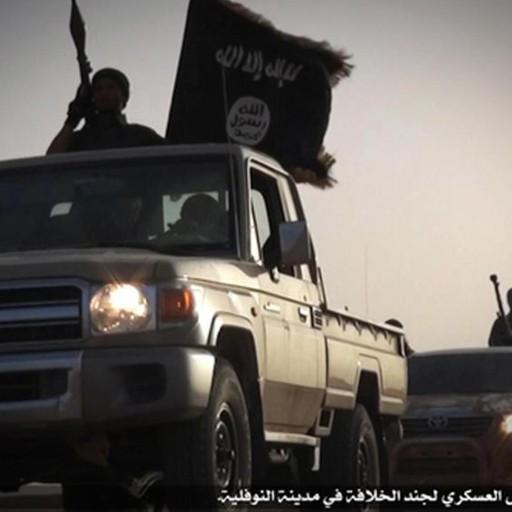 Siriano arrestato, il giallo delle frustate E spuntano nuove foto pro Isis - Video