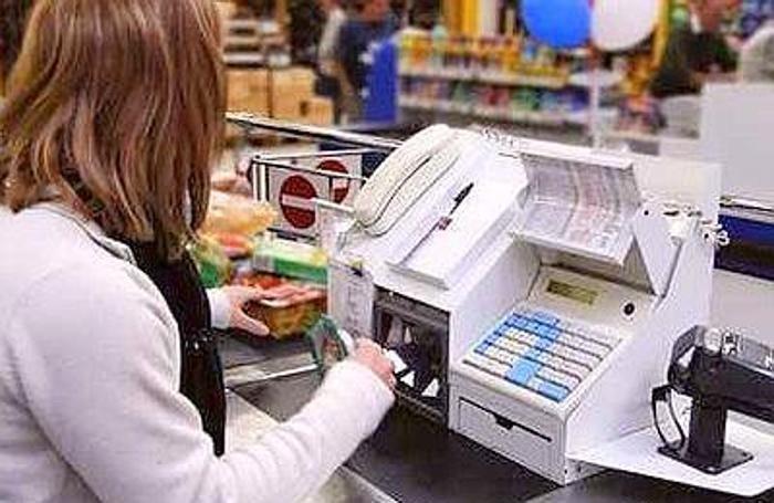 Risultati immagini per commesse  del supermercato  8 marzo sciopero