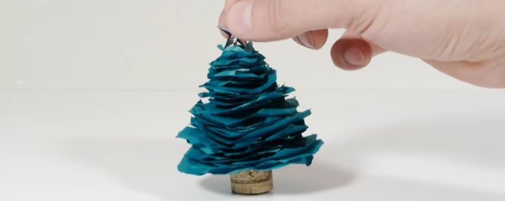 Come fare l albero di natale in un video 3 idee originali - Contorno di un albero di natale ...