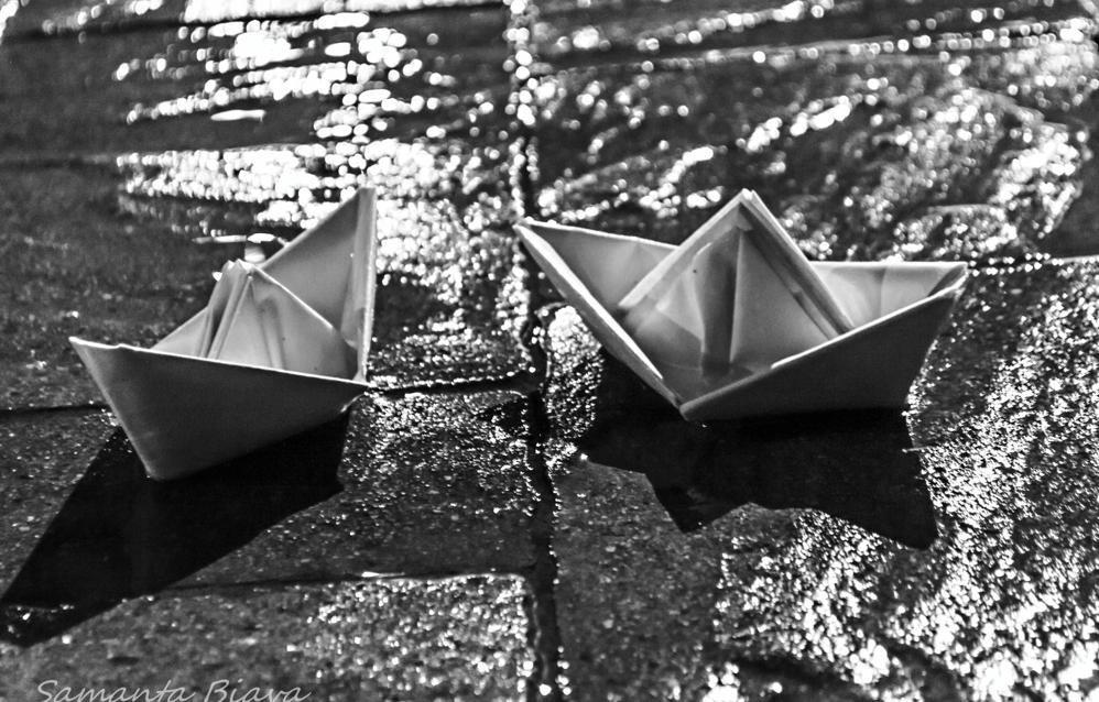 Barchette sotto la pioggia galleria fotografica l 39 eco di for Sotto la pioggia ombrelli