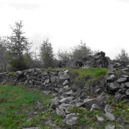 La memoria corre sui monti sui ruderi del rifugio Laghi Gemelli