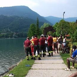 Monasterolo, fa il bagno nel lago Giovane 20enne muore annegato