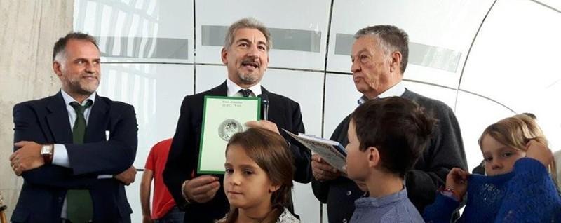 Renato Pozzetto è «Nonno di Lombardia» Grande festa con i nipoti al Pirellone