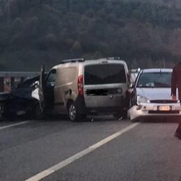 Val Seriana, una mattinata di caos Incidente e lunghe code: due feriti - Video