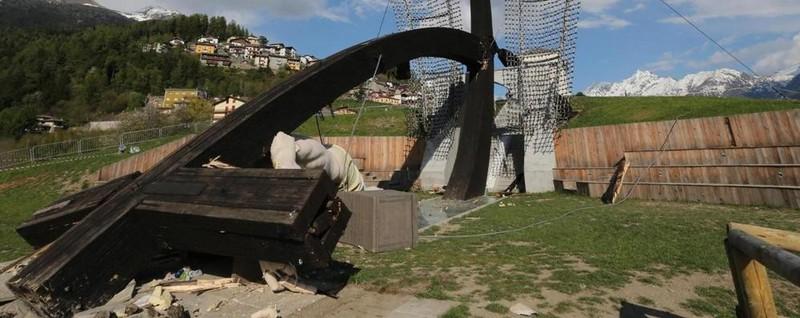 Il crollo della croce di Cevo 700mila euro alla famiglia di Marco