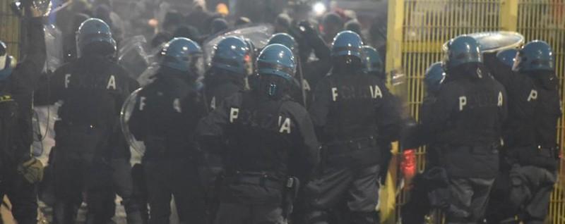 Dopo gli scontri arrivano i Daspo - Video E per i romanisti a rischio le trasferte