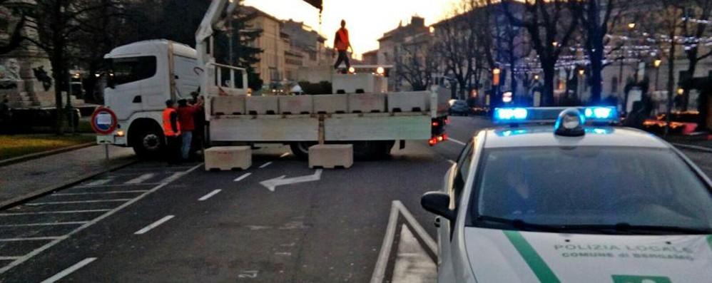Capodanno in piazza a bergamo viale roma blindato foto for Case capodanno bergamo