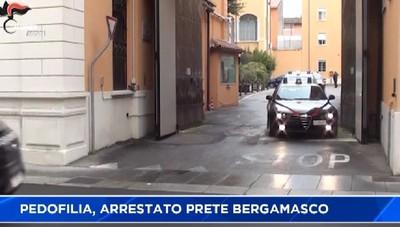 Pedofilia, arrestato il parroco di Solza