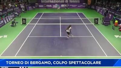 Il colpo spettacolare di Dustin Brown lascia il segno nella Bergamo del tennis