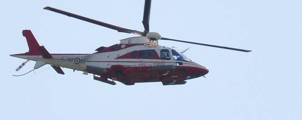 Elicottero Drago 84 : Sarnico arriva l elicottero sofisticato ma del muratore