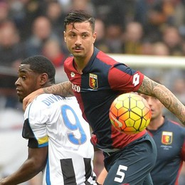 La camorra truccava partite di serie B Nei guai anche l'azzurro Izzo (Genoa)