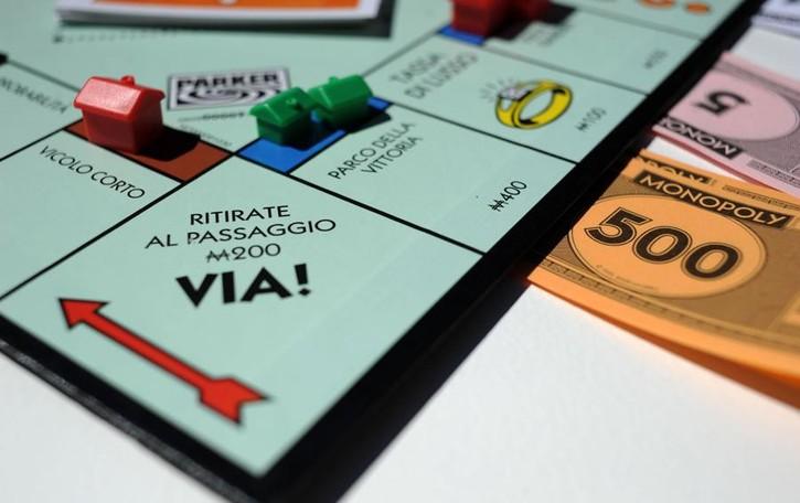Monopoly si rifà il look Votate il vostro Comune!