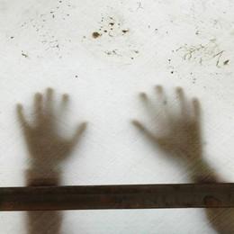 «No al rimpatrio dei bimbi contesi» Restano con il padre a Seriate»