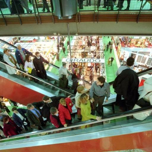Sabato shopping difficile Sciopera la grande distribuzione
