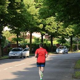 Caso runner, i residenti del Baio: «Giusto il divieto di correre in strada»
