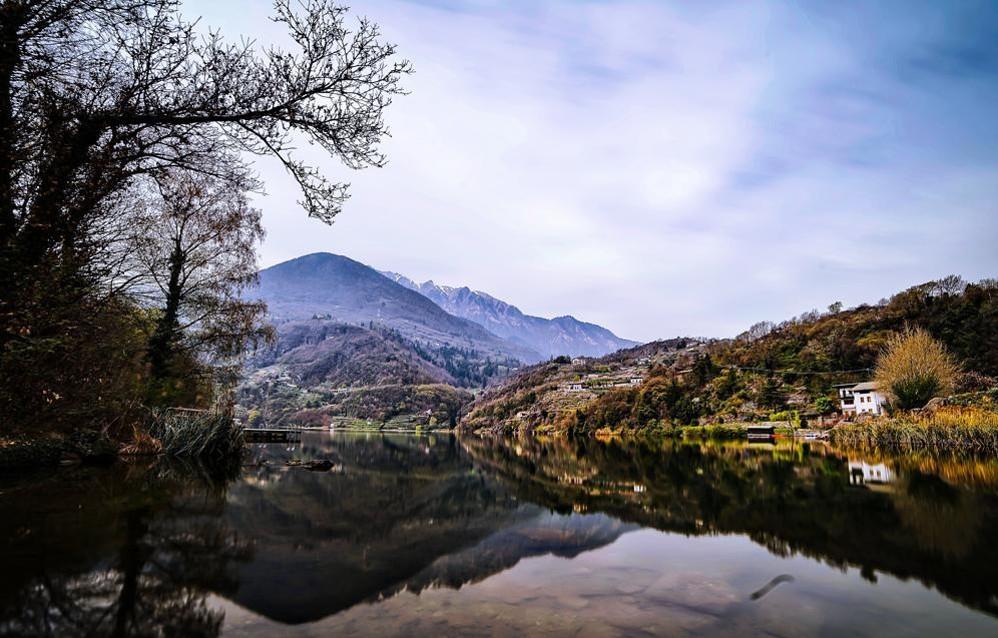 Lo specchio del lago moro galleria fotografica l 39 eco di bergamo notizie di bergamo e provincia - Ristorante lago lo specchio ...
