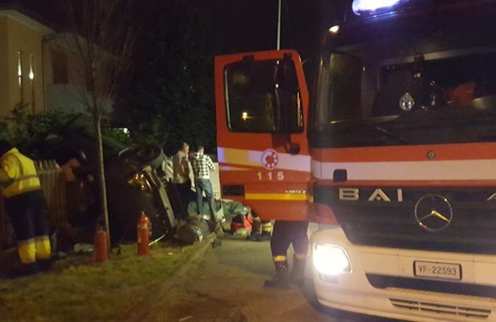 Tragedia a Suisio, auto fuori strada: muore un 14enne, quattro giovani feriti