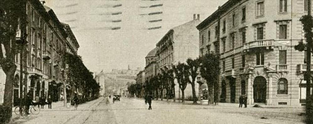 Viale roma due passi nel 1929 la porta della citt di - Replica porta a porta di ieri ...