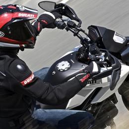 In Ducati 999 con la patente revocata Denunciato 30enne bergamasco