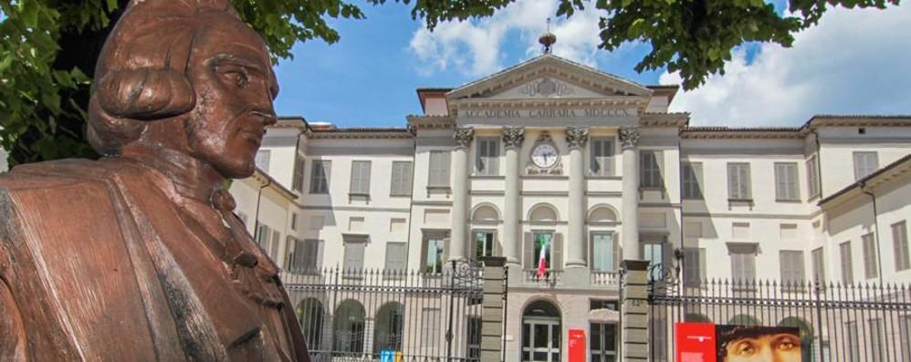 Carrara il rilancio una strada in salita bergamo for Galleria carrara bergamo