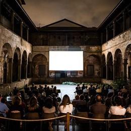 Cine Tascabile, via alla rassegna 13 film nel Chiostro del Carmine