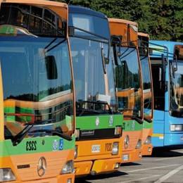 «Bus, tagli senza avvisare nessuno Un'ora in attesa alla fermata, invano»