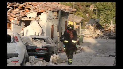 Terremoto, la telefonata ai pompieri «Siete bravi, vi porterei i tortellini»