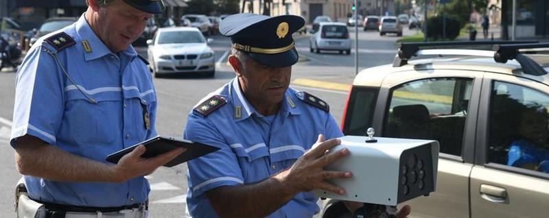Autoscan, test a Bergamo: in tre secondi scova se il veicolo ha qualche irregolarità