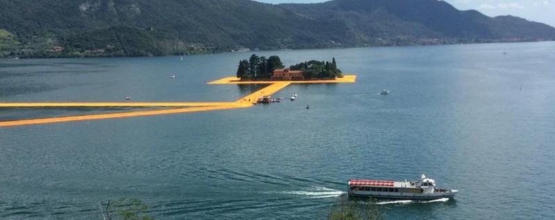 Effetto Christo, tutti pazzi per il lago Ma i battelli ora frenano. «Lavori in corso»