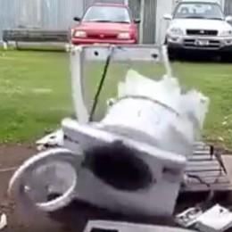 Che succede se la tua lavatrice... La pubblicità (geniale) in rete - Video