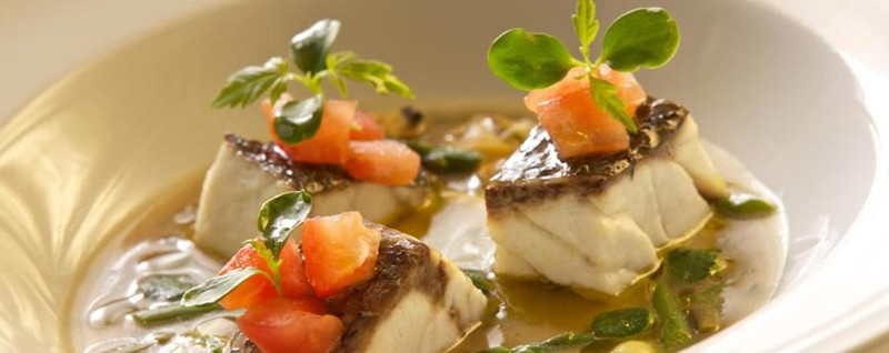Gli italiani sono i più a dieta d'Europa Il 25% una volta a ristorante alla settimana