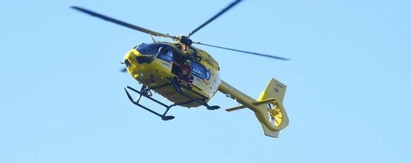Schianto frontale a Costa Volpino Tre feriti, arriva anche l'elicottero