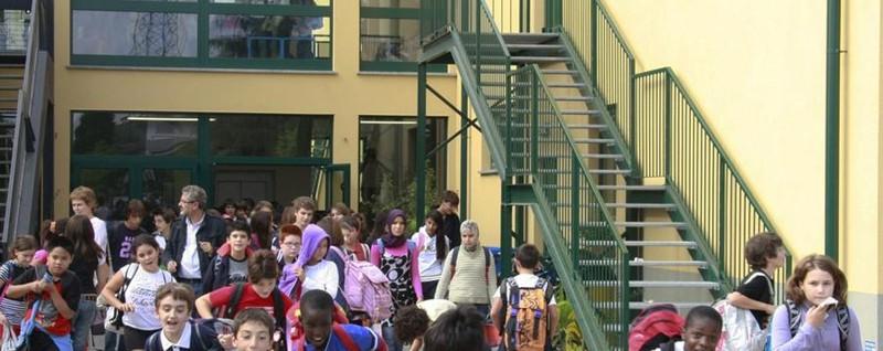 Scuole medie chiuse prima di aprire Famiglie infuriate, polemica a Seriate
