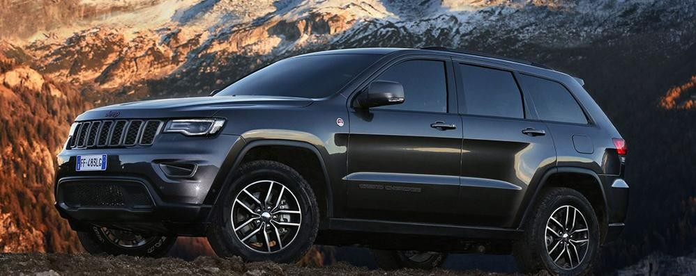 jeep grand cherokee debutta il modello 2017 motori bergamo. Black Bedroom Furniture Sets. Home Design Ideas