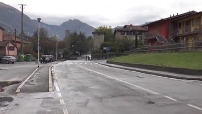 Cazzano Sant'Andrea, un semaforo e un marciapiede per la sicurezza stradale