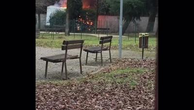 Furgone in fiamme a Gorle