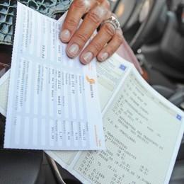Auto, addio al libretto di circolazione Col foglio unico 39 euro di risparmio